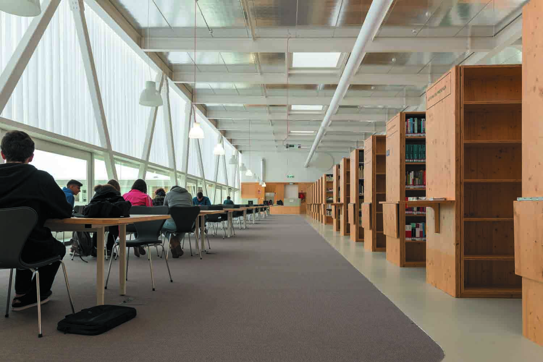 Photo of Biblioteca Pública e Arquivo Regional Luís da Silva Ribeiro