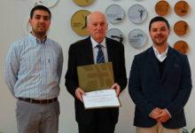 Photo of Comité Olímpico de Portugal entrega diploma ao Município de Angra do Heroísmo